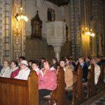 A lelki gyakorlat részvevői a szentmise alatt