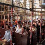 Közös szentmise a Füleki hívekkel, halós fiatalok zenei szolgálatával