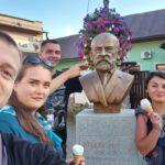 Füleki vetélkedő - Hulita Vilmos füleki zománcgyár egykori igazgatójának szobránál